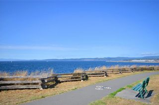 Photo 14: 210 964 Heywood Ave in : Vi Fairfield West Condo for sale (Victoria)  : MLS®# 861101