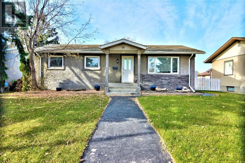 FEATURED LISTING: 16 Orchard Green Red Deer
