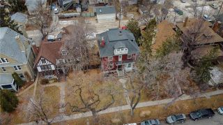 Photo 2: 92 Balmoral Street in Winnipeg: West Broadway Residential for sale (5A)  : MLS®# 202102175