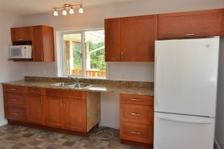 Photo 6: 5704 CARMEL Place in Sechelt: Sechelt District House for sale (Sunshine Coast)  : MLS®# R2122869