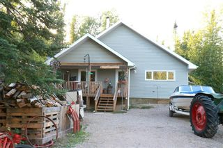 Photo 2: 12 Evergreen Road in Victoria Beach: Pine Glen Residential for sale (R27)  : MLS®# 202123225
