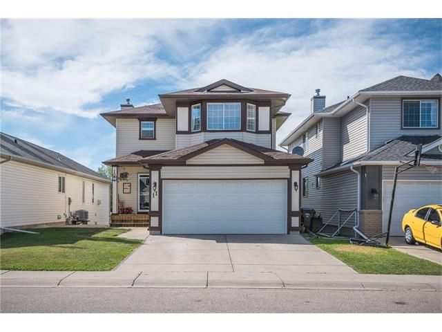 Main Photo: 11 HIDDEN VALLEY Park NW in Calgary: Hidden Valley House for sale : MLS®# C4069019