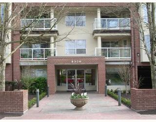 "Photo 10: 305 8300 BENNETT Road in Richmond: Brighouse South Condo for sale in ""MAPLE COURT"" : MLS®# V702165"