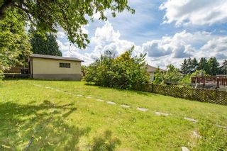 Photo 4: 560 SPRINGER Avenue in Burnaby: Capitol Hill BN House for sale (Burnaby North)  : MLS®# R2594028