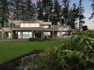 Photo 3: 1156 Moore Rd in COMOX: CV Comox Peninsula House for sale (Comox Valley)  : MLS®# 840830