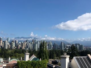 "Photo 4: 208 910 W 8TH Avenue in Vancouver: Fairview VW Condo for sale in ""The Rhapsody"" (Vancouver West)  : MLS®# R2487945"