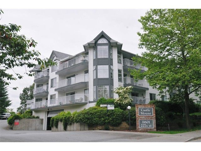 "Main Photo: 112 11601 227TH Street in Maple Ridge: East Central Condo for sale in ""CASTLE MOUNT"" : MLS®# V977669"