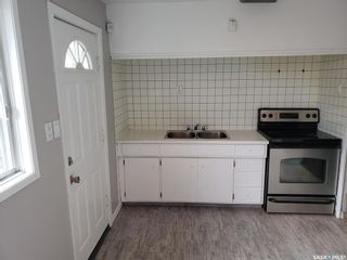 Photo 9: 237 Montreal Avenue South in Saskatoon: Meadowgreen Residential for sale : MLS®# SK860660