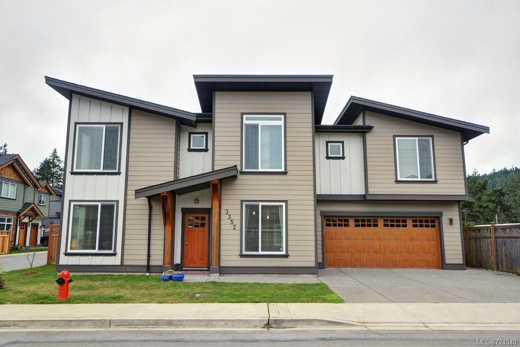 Main Photo: 3352 Piper Rd in Langford: La Happy Valley House for sale : MLS®# 724540