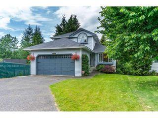 Photo 1: 9438 205B STREET in Langley: Walnut Grove House for sale : MLS®# R2126283