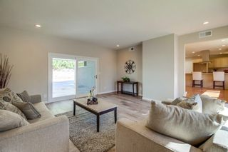 Photo 4: SAN DIEGO House for sale : 3 bedrooms : 8170 Whelan Dr