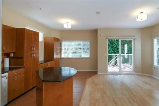 """Photo 3: 11 1108 RIVERSIDE Close in Port Coquitlam: Riverwood Townhouse for sale in """"HERITAGE MEADOWS"""" : MLS®# R2359716"""