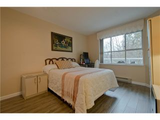 """Photo 14: 203 15439 100 Avenue in Surrey: Guildford Townhouse for sale in """"Plumtree Lane"""" (North Surrey)  : MLS®# F1404844"""