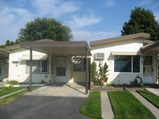 Photo 1: 3 854 Main Street in Penticton: Residential Attached for sale : MLS®# 140858