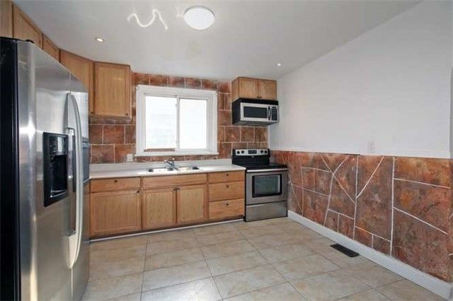 Photo 8: Photos: Main 50 S Wilson Road in Oshawa: Central House (Bungalow) for lease : MLS®# E3980743