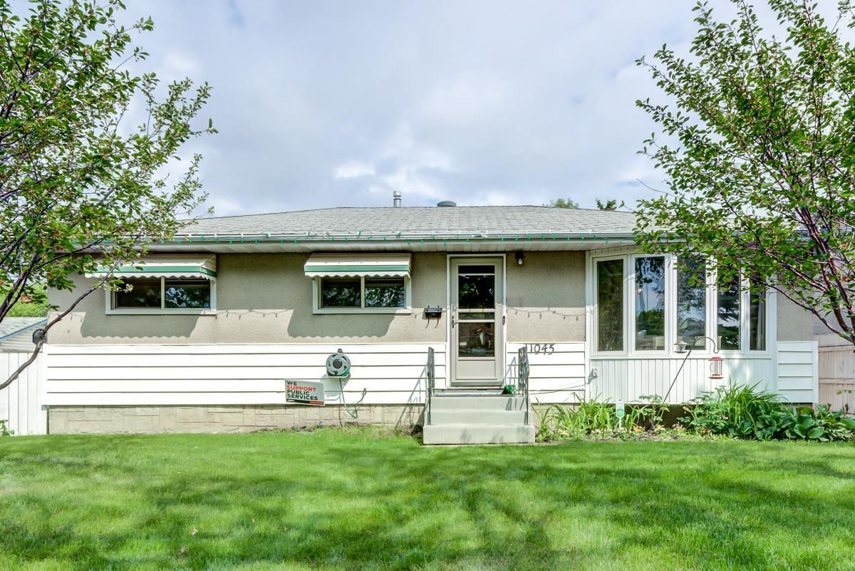 Main Photo: 11045 152 Street in Edmonton: Zone 21 House for sale : MLS®# E4263327