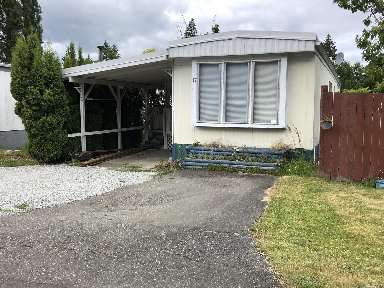 Main Photo: 17 2917 Alberni Hwy in : PA Alberni Valley Manufactured Home for sale (Port Alberni)  : MLS®# 878346