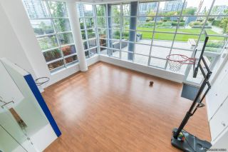 """Photo 8: 1607 5233 GILBERT Road in Richmond: Brighouse Condo for sale in """"RIVER PARK PLACE 1"""" : MLS®# R2473509"""
