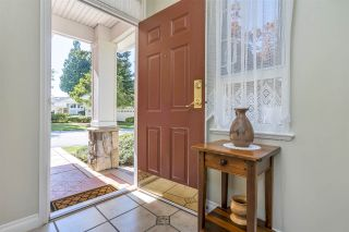 """Photo 3: 52 15055 20 Avenue in Surrey: Sunnyside Park Surrey Townhouse for sale in """"HIGHGROVE"""" (South Surrey White Rock)  : MLS®# R2486559"""