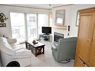 """Photo 2: 325 332 LONSDALE Avenue in North Vancouver: Lower Lonsdale Condo for sale in """"CALYPSO"""" : MLS®# V1076735"""