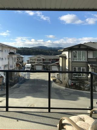 "Photo 3: 5980 OLDMILL Lane in Sechelt: Sechelt District Townhouse for sale in ""Edgewater"" (Sunshine Coast)  : MLS®# R2243724"
