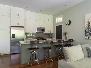 """Photo 6: 1154 WENDEL Place in North Vancouver: Lynn Valley Townhouse for sale in """"Wendel Court"""" : MLS®# R2487790"""