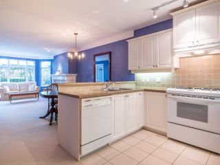 """Photo 9: 114 3188 W 41ST Avenue in Vancouver: Kerrisdale Condo for sale in """"Lanesborough"""" (Vancouver West)  : MLS®# R2573376"""