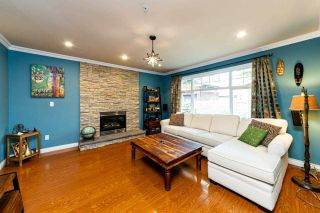 Photo 3: 1607 E GEORGIA Street in Vancouver: Hastings 1/2 Duplex for sale (Vancouver East)  : MLS®# R2488468