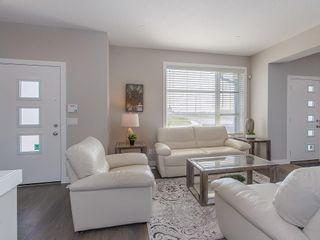 Photo 5: 12 SKYVIEW Circle NE in Calgary: Skyview Ranch Row/Townhouse for sale : MLS®# C4197869