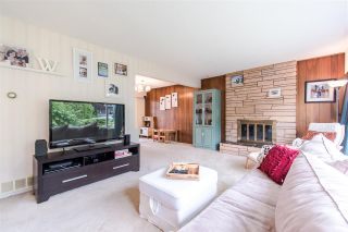 Photo 4: 1205 EASTVIEW Road in North Vancouver: Westlynn House for sale : MLS®# R2409324