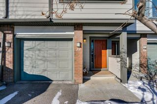 Photo 3: 39 185 Woodridge Drive SW in Calgary: Woodlands Row/Townhouse for sale : MLS®# A1069309