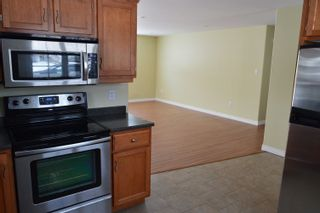 Photo 4: 37 BIGELOW Street in Wolfville: 404-Kings County Residential for sale (Annapolis Valley)  : MLS®# 202114440