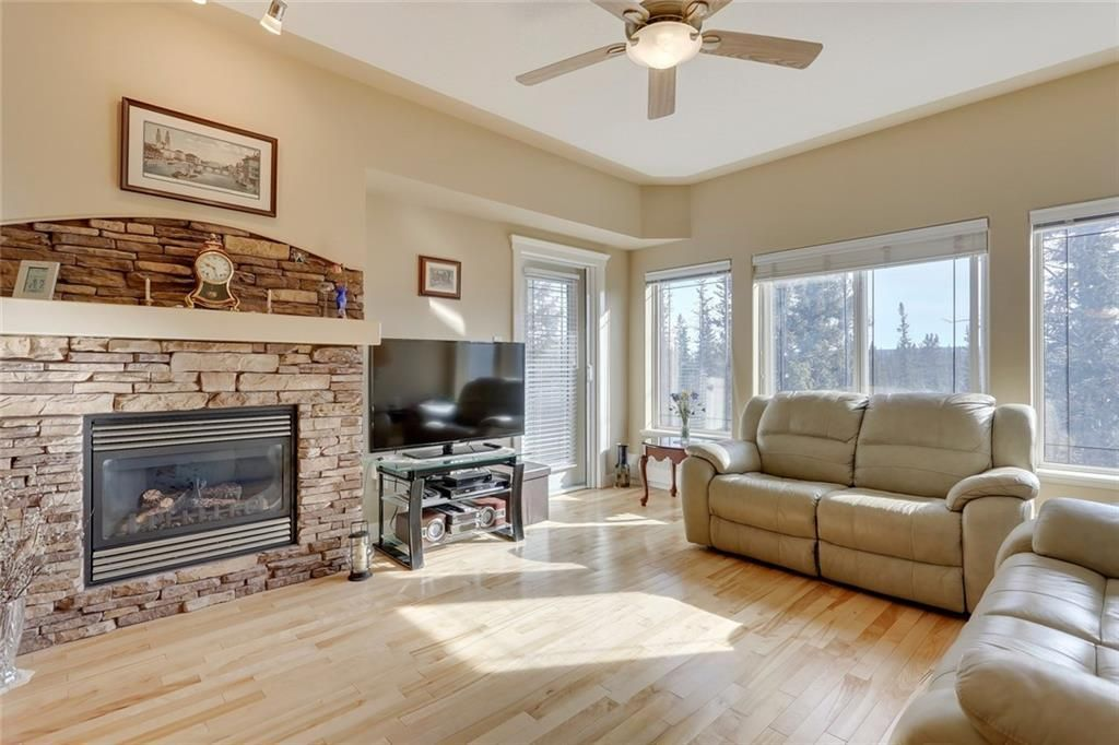 Gorgeous real hardwood and south views of Griffin Park forest.