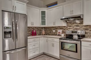 Photo 5: 1380 E 17TH Avenue in Vancouver: Knight 1/2 Duplex for sale (Vancouver East)  : MLS®# R2090991