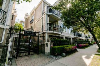 "Photo 1: 309 680 7TH Avenue in Vancouver: Fairview VW Townhouse for sale in ""LIBERTE"" (Vancouver West)  : MLS®# R2369032"