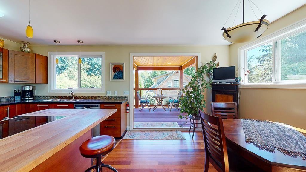 Photo 8: Photos: 5740 NICKERSON Road in Sechelt: Sechelt District House for sale (Sunshine Coast)  : MLS®# R2597486