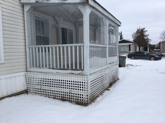 """Photo 2: Photos: 22 654 NORTH FRASER Drive in Quesnel: Quesnel - Town Manufactured Home for sale in """"RIVER WALK MANUFACTURED HOME PARK"""" (Quesnel (Zone 28))  : MLS®# R2533387"""