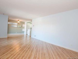 Photo 5: 301 894 S Island Hwy in CAMPBELL RIVER: CR Campbell River Central Condo for sale (Campbell River)  : MLS®# 704140