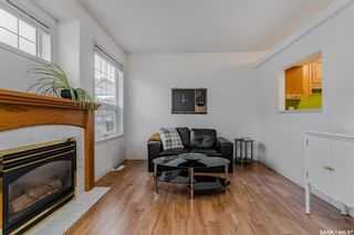 Photo 2: 4 102 Willow Street East in Saskatoon: Exhibition Residential for sale : MLS®# SK867978