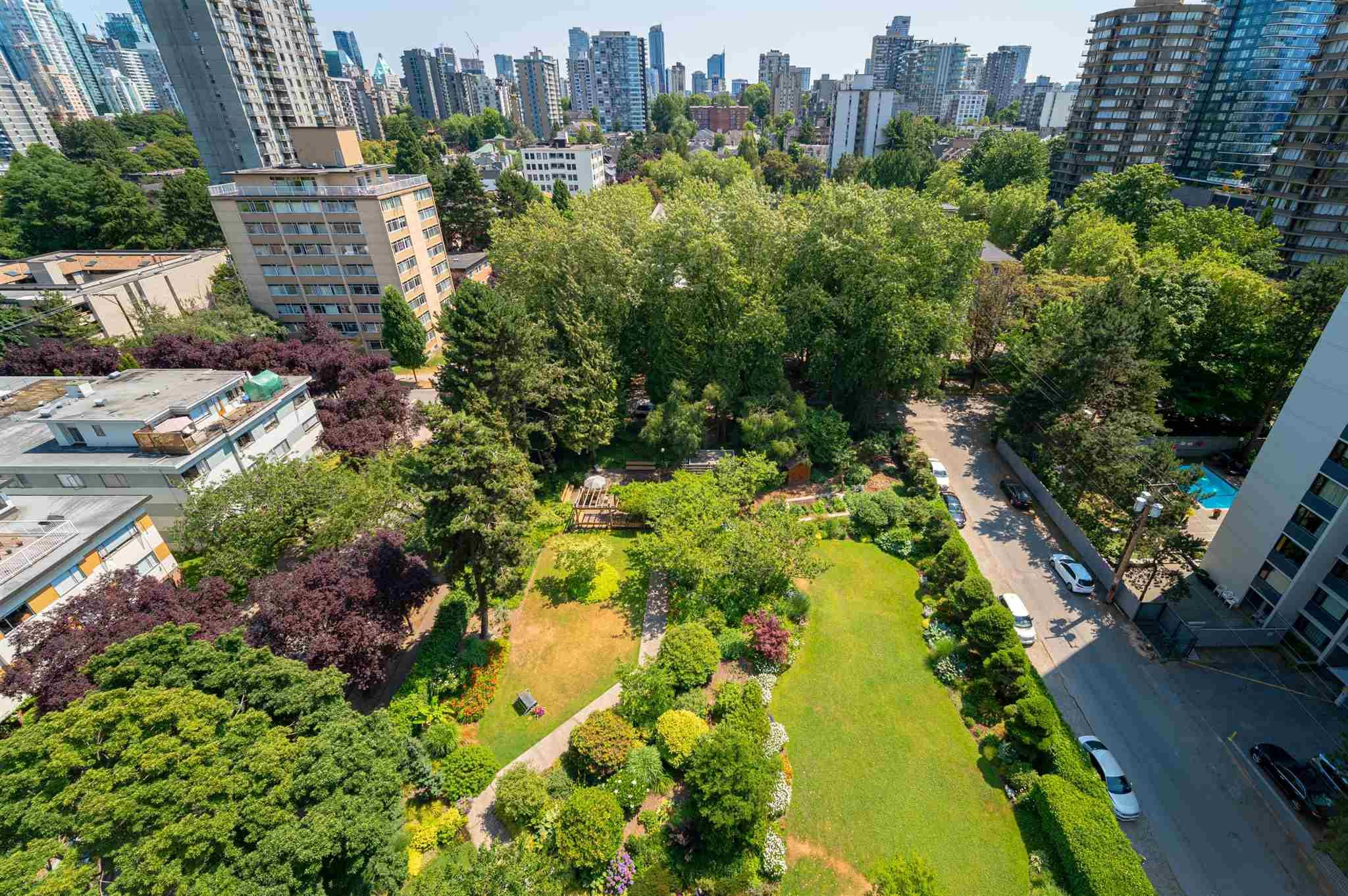 """Main Photo: 1505 1740 COMOX Street in Vancouver: West End VW Condo for sale in """"THE SANDPIPER"""" (Vancouver West)  : MLS®# R2602814"""