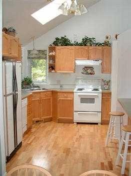 Photo 8: 1481 PARK AV in Roberts_Creek: Roberts Creek House for sale (Sunshine Coast)  : MLS®# V343592