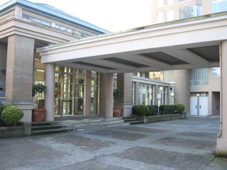 """Photo 2: 702 2668 ASH Street in Vancouver: Fairview VW Condo for sale in """"CAMBRIDGE GARDEN"""" (Vancouver West)  : MLS®# V870392"""