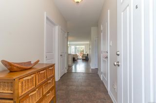 Photo 3: 102 2260 N Maple Ave in Sooke: Sk Broomhill House for sale : MLS®# 885016