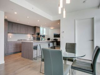 """Photo 11: 905 728 W 8TH Avenue in Vancouver: Fairview VW Condo for sale in """"700 WEST8TH"""" (Vancouver West)  : MLS®# R2082142"""