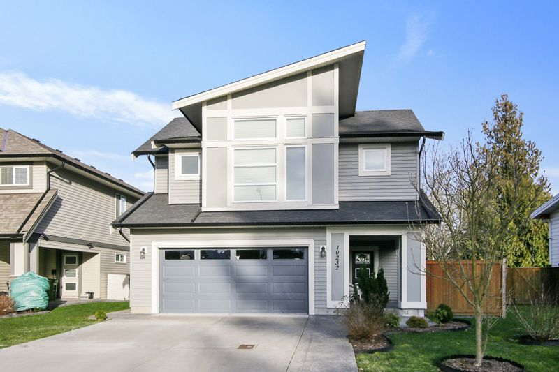 FEATURED LISTING: 10232 MANOR Drive Chilliwack