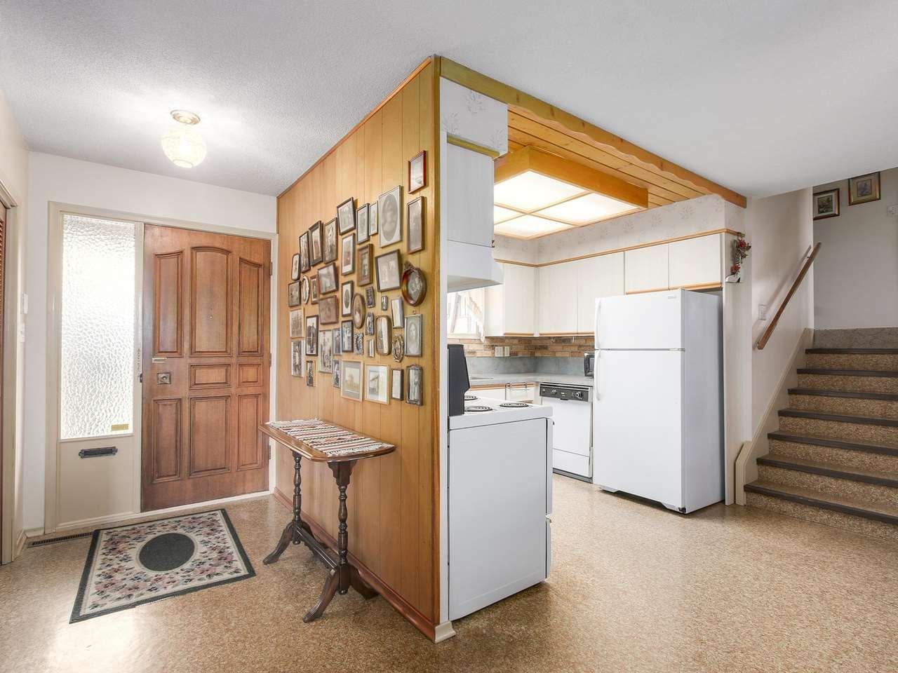 Photo 7: Photos: 1320 REGAN Avenue in Coquitlam: Central Coquitlam House for sale : MLS®# R2147096