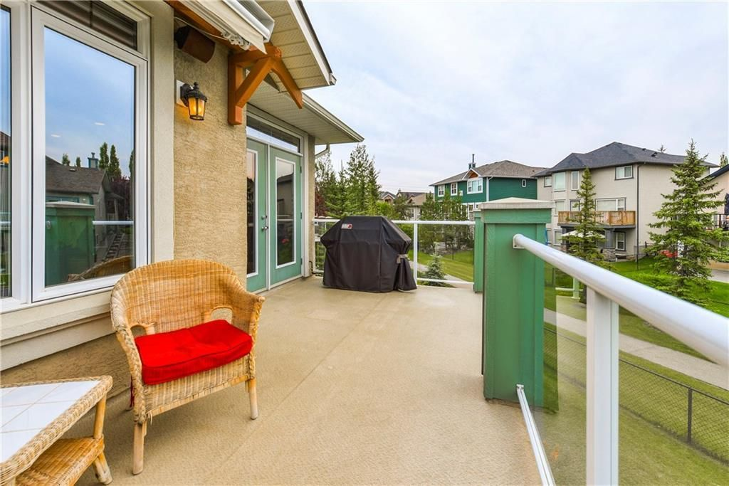 Photo 21: Photos: 73 DISCOVERY WOODS Villa SW in Calgary: Discovery Ridge Semi Detached for sale : MLS®# C4218779