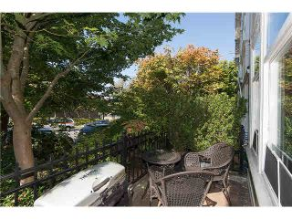 """Photo 4: 2626 YUKON Street in Vancouver: Mount Pleasant VW Condo for sale in """"TURNBULL'S WATCH"""" (Vancouver West)  : MLS®# V1085425"""