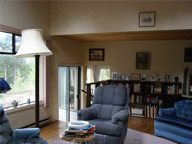 Photo 8: Photos: 512 ROCKMOYNE PL: Bowen Island House for sale : MLS®# V1024617