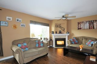 "Photo 2: 6 12268 189A Street in Pitt Meadows: Central Meadows Townhouse for sale in ""MEADOW LANE ESTATES"" : MLS®# R2167724"